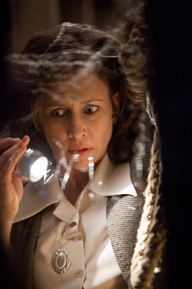 The-Conjuring-Korku-Seansi-film-movie-Vera-Farmiga