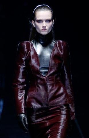 İntikam Yağmur - Beren Saat - Gucci Deri Ceketi